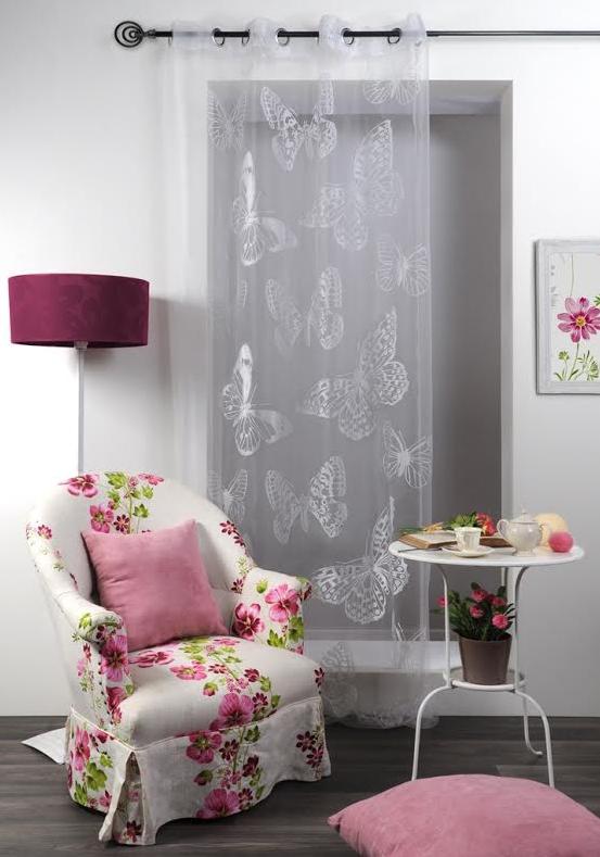 duftiger senschal mit schmetterlingen. Black Bedroom Furniture Sets. Home Design Ideas